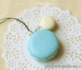 Macaron Keychain - Macaron Phone Charm Bag Charm - Blue and White Macaron 